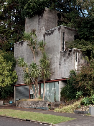 Rewi's own home in Kohimarama, Auckland (1985), with its distinctive ziggurat form based on the Māori poutama (or stairway to heaven) tukutuku pattern.