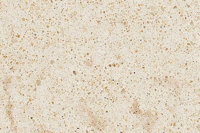 Crème Brule from the Caesarstone Classico™ collection.