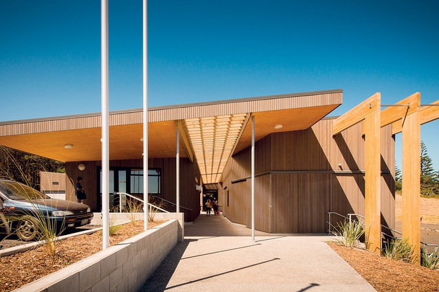 The buildng is clad in cocoa-coloured stained cedar which will weather nicely into the surrounding beach landscape.