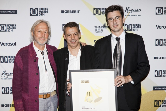 Winner of Australia House of the Year, Peter Stutchbury (left) and project architect John Bohane (right) with Richard Munao of Cult.