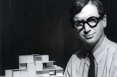 Michael Graves dies, aged 80