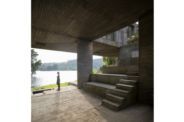 Its lakeside context has informed much of the interior spaces and the sculptural inner courtyard.