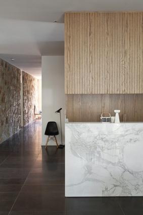 Hazelwood Park Residence by Genesin Studio.