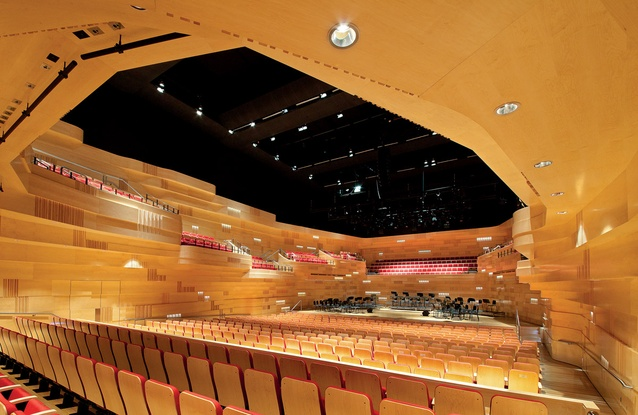 The extended balconies of the thousand-seat concert hall reflect the extended walls of the exterior.