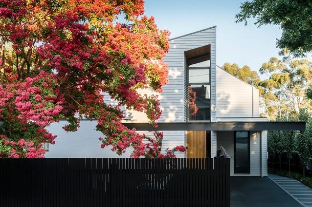 Eaglemont Residence by Pleysier Perkins.