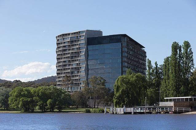 Fender Katsalidis Architects and Suppose Design Office designed the Nishi building. Hotel Hotel occupies three floors inside Nishi.