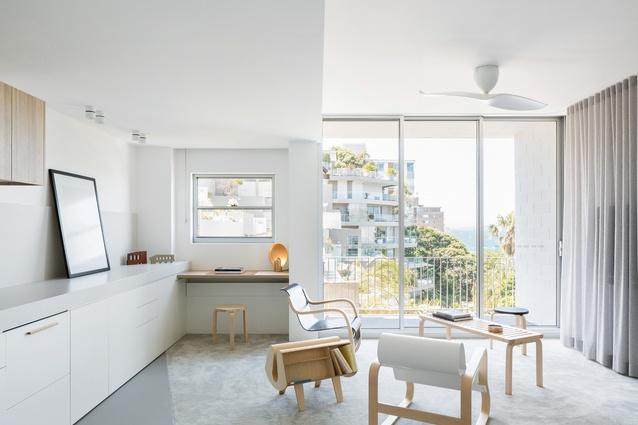 Darling Point Apartment by Brad Schwartz Architects.