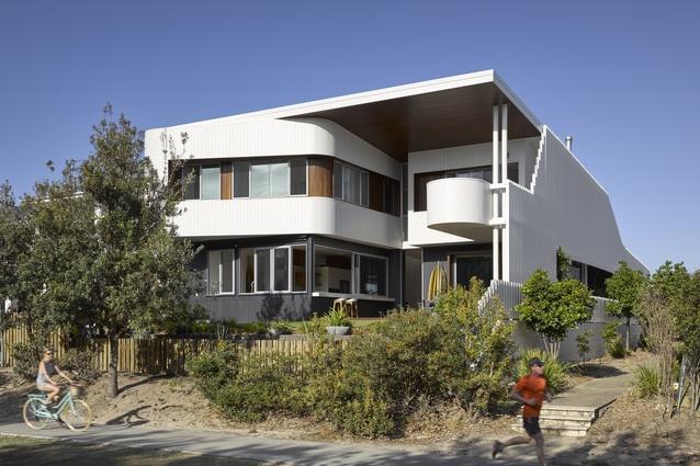 Whale House by Paul Uhlmann Architects.