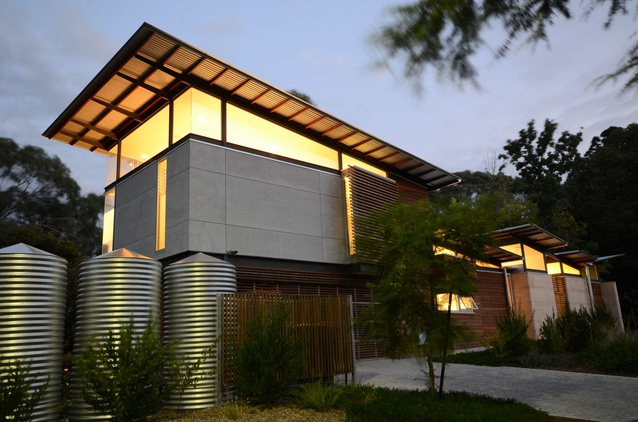 <strong>Residential – Houses:</strong> Creek-chic by Troppo Architects.