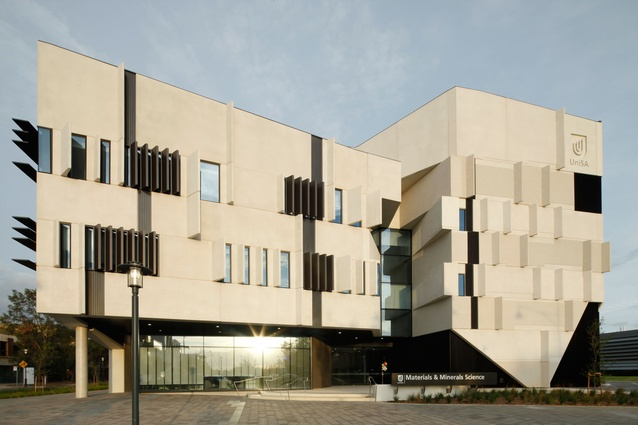 The Materials and Minerals Science Learning and Research Building by John Wardle Architects in association with Swanbury Penglase Architects, winner of the 2012 Jack McConnell Award for Public Architecture. 