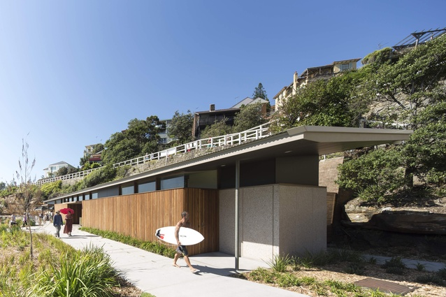 Tamarama kiosk along the southern cliff aligns to the surfers' boardwalk to the beach.