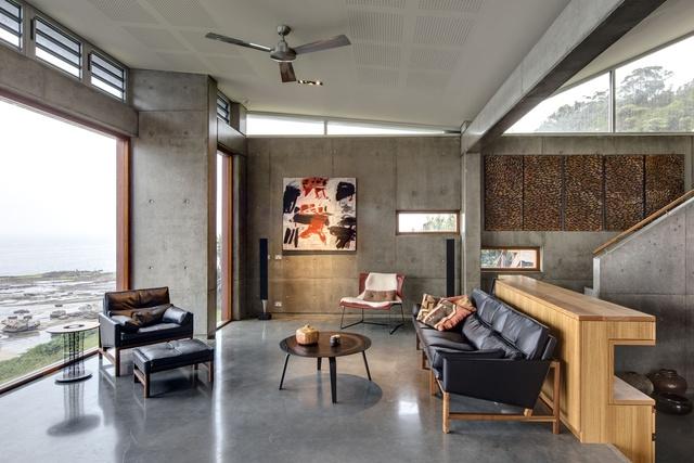 Concrete artistry: South Coast House
