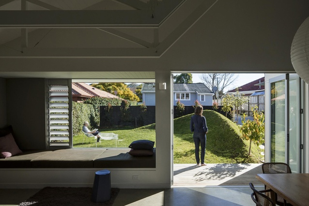 Housing Award: Sayes Stock House by Henri Sayes Architect.