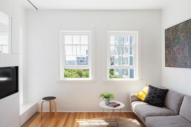Darlinghurst Apartment by Brad Swartz Architect.