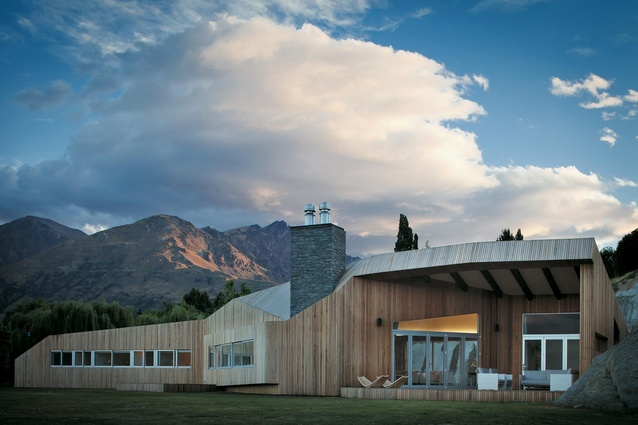 Queenstown House by Thom Craig architect.