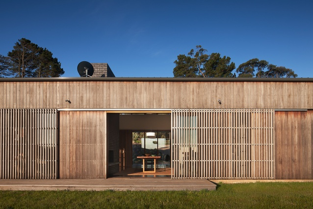 Main Ridge House by Noxon Giffen.