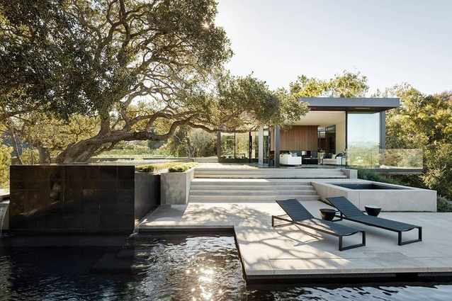 A modernist masterpiece in Beverly Hills, California that responds to its natural environment with flair and sculpture.