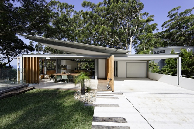 Top five beach houses architectureau for Beach house designs sydney