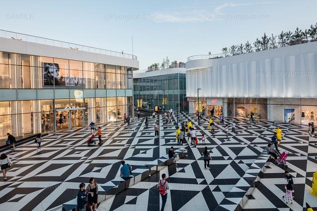 Triple Street Mall by PARKKIM.