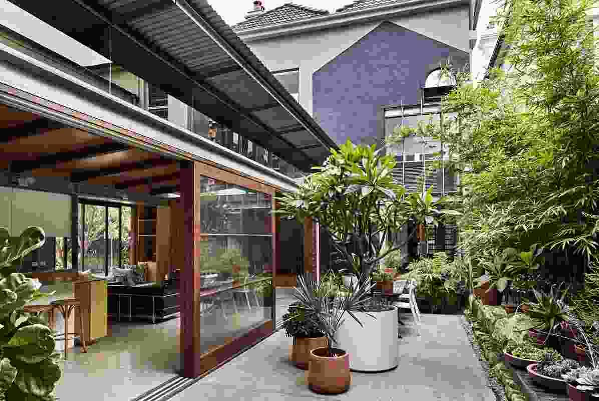 Courtyard House by Joe Agius Architect.