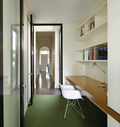 The study extends the line of the original corridor to the rear courtyard.