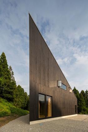 Australia House by Andrew Burns Architect and Atelier Imamu.