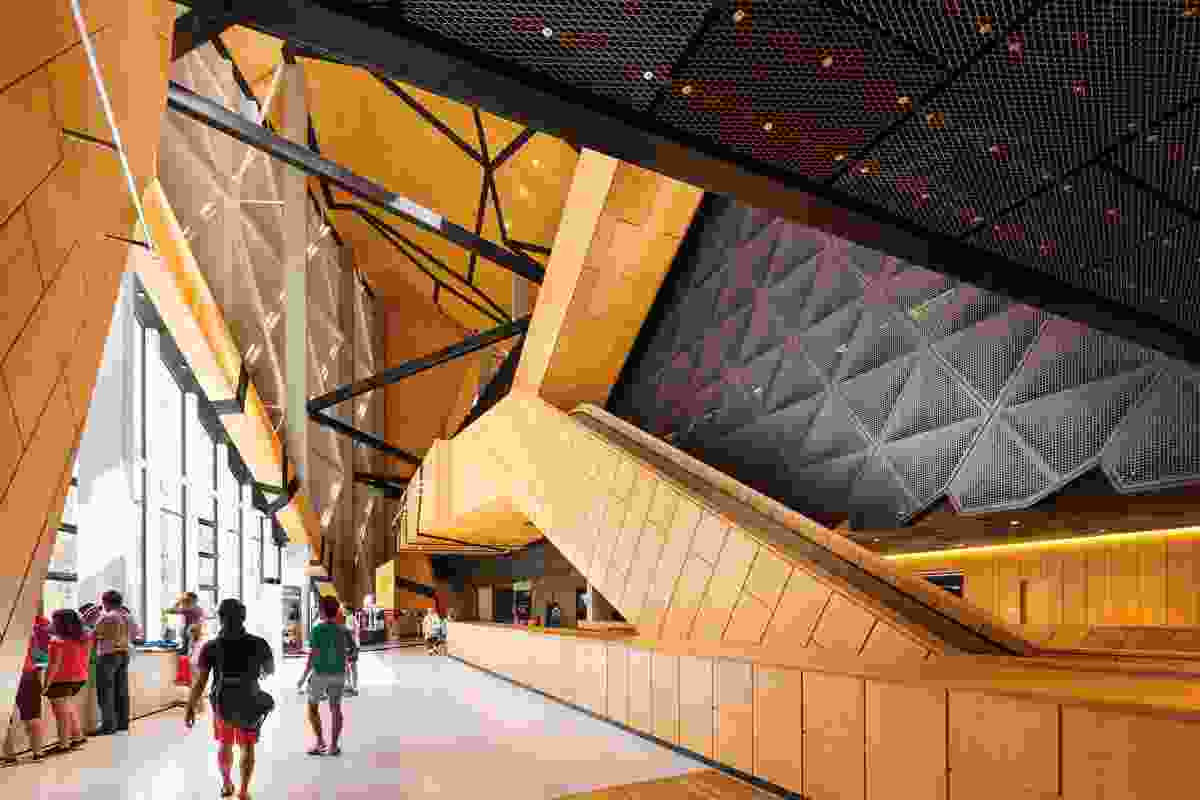 Circulation spaces form a string-like sequence wrapping around the central arena.