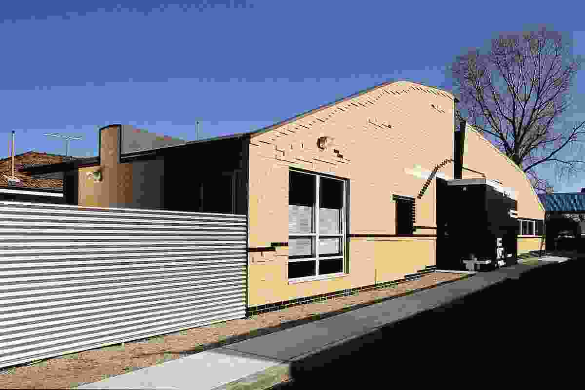 Howard Kronborg Medical Clinic, Melbourne (1993).