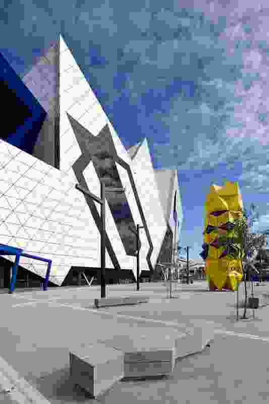 On the eastern side stands the 10-metre yellow Totem sculpture by Perth artist Geoffrey Drake-Brockman.