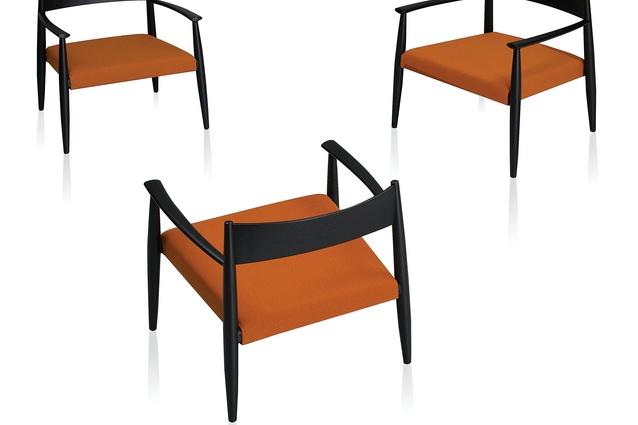 Ghiaccio chair.
