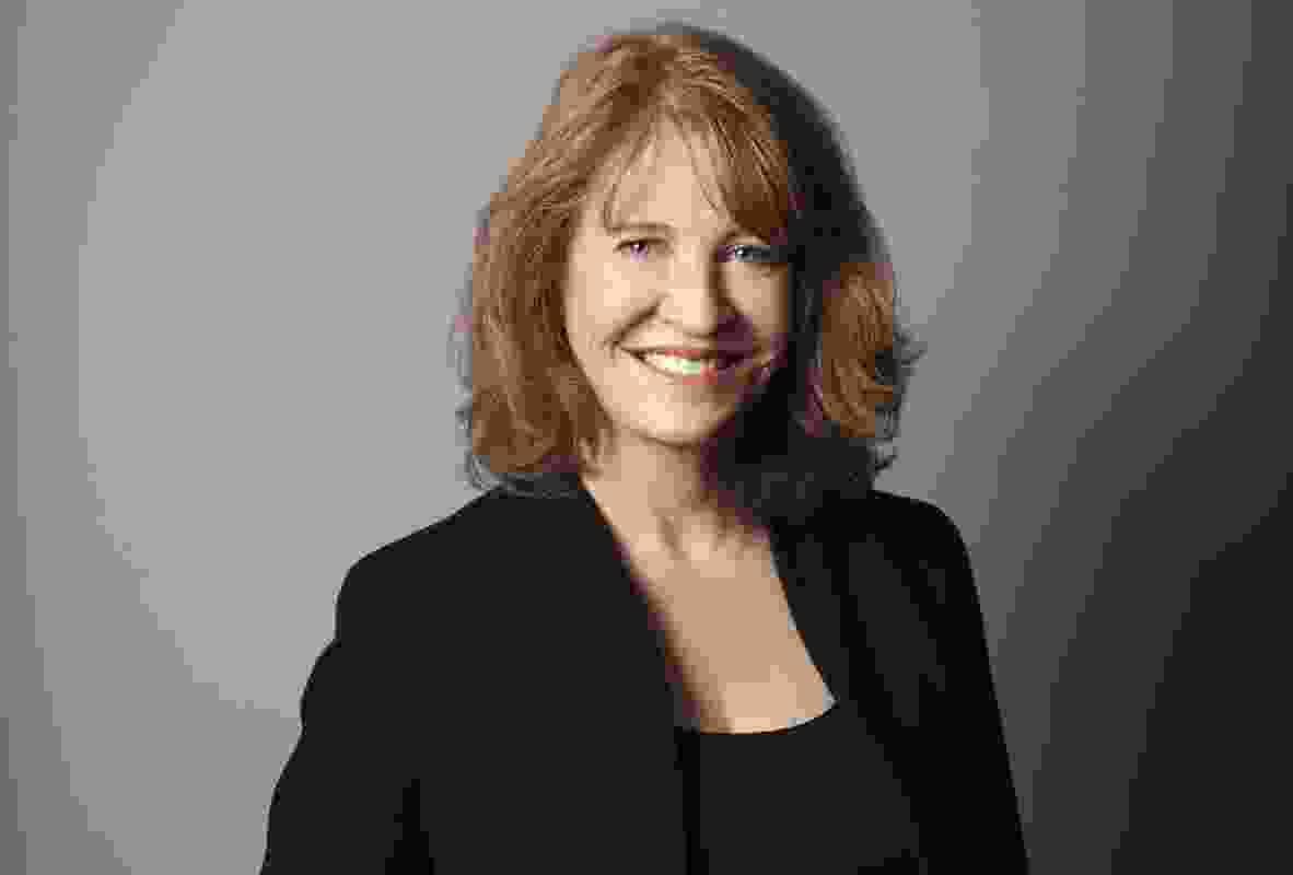 安妮·萨瑟兰。