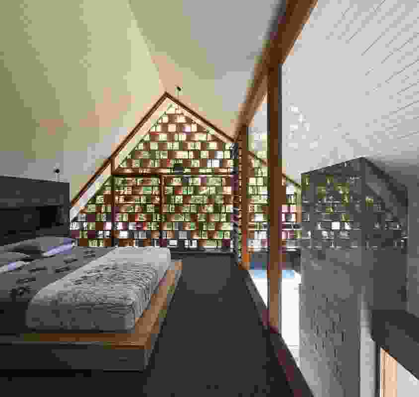 The timber screen protects the main bedroom from the sun while also conforming to regulations regarding to neighbour privacy.
