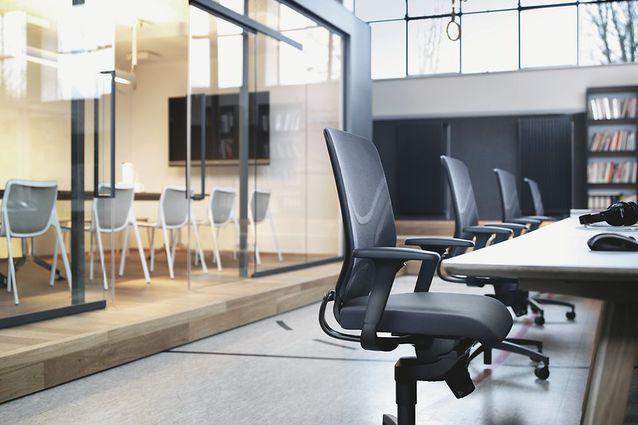 a chair that encourages motion in from wilkhahn architectureau rh architectureau com
