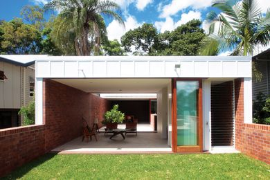 The house is composed of a series of framed views.