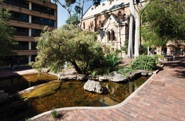 Wills Courtyard: University of Adelaide