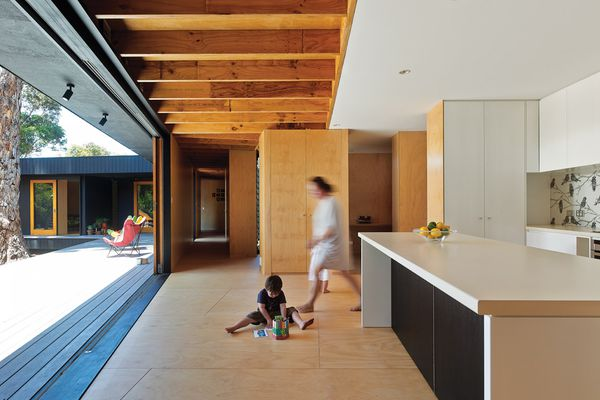 Karri Loop House opens intimately to private courtyards.