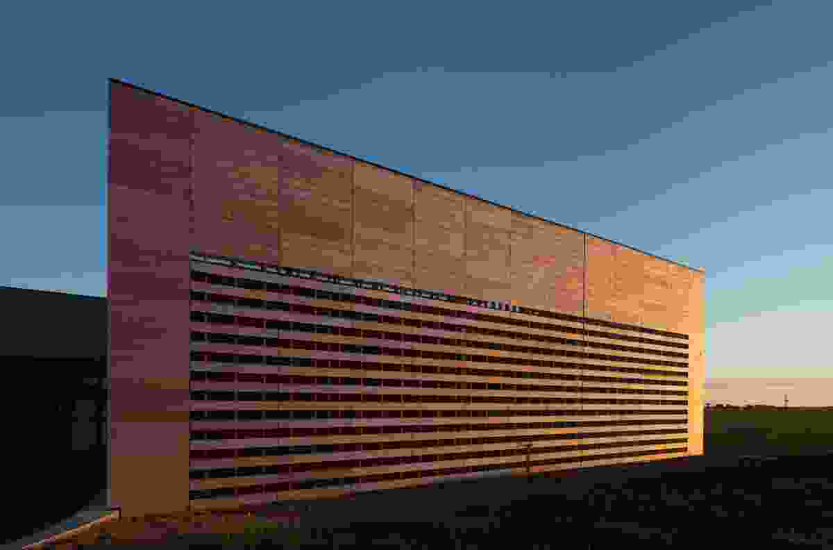 Australian Grains Genebank (AGG) by H2o architects.