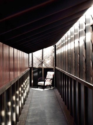 Bisley Place House by James Russell Architect.
