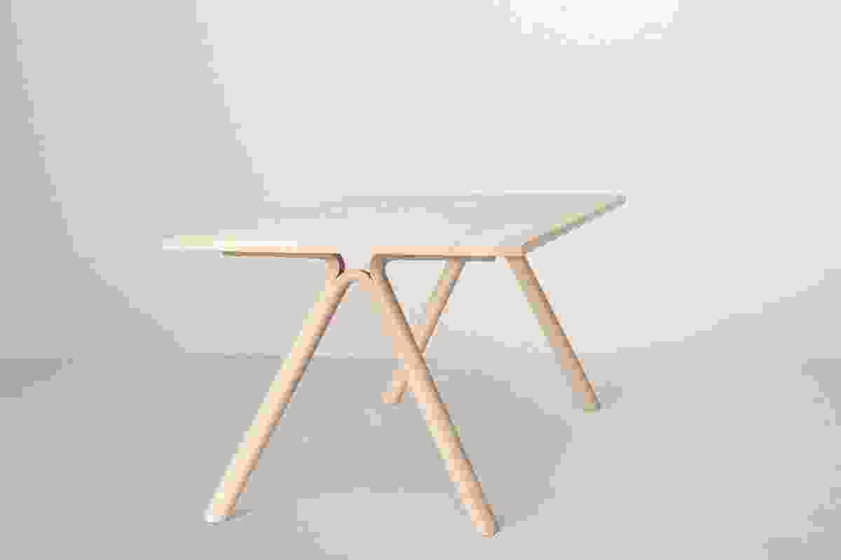 Split table Staffan Holm for Muuto.