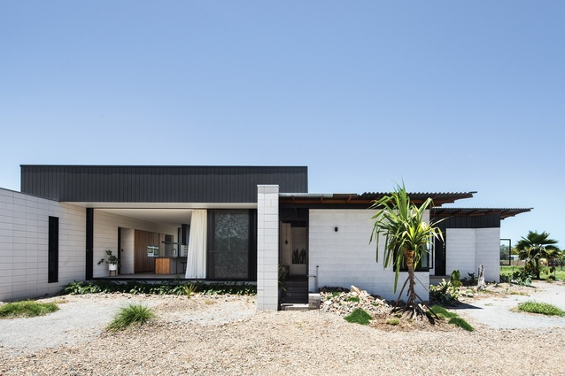 Inverdon House by Chloe Naughton Architects.