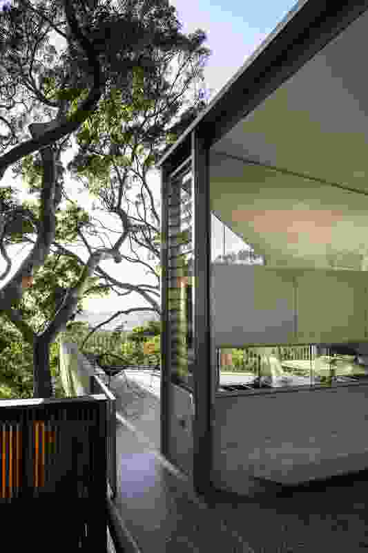 Killcare Beach Bush House by MORA - James Fraser Architect.