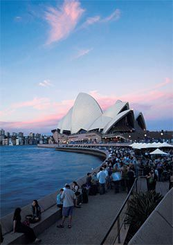 Looking towards the Sydney Opera House from the lower concourse. Image:Eric Sierins