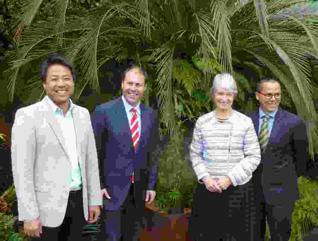 Architect John Choi (left )with Hon. Josh Frydenberg (Minister for the Environment and Energy), Dr Judy West (Executive Director Australian National Botanic Gardens) and Gregory Andrew (Threatened Species Commissioner).