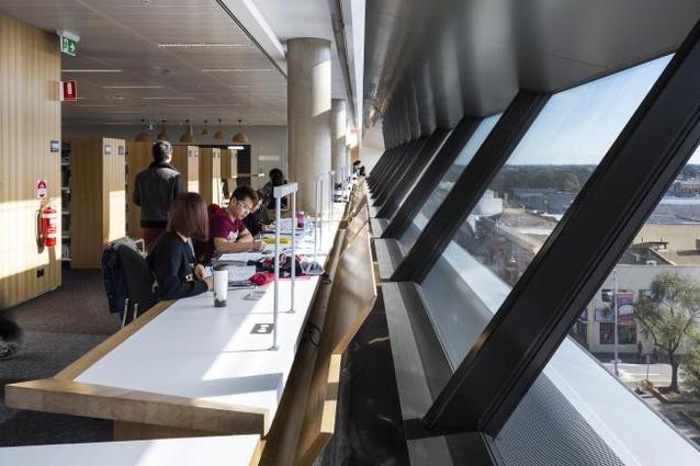Jeffrey Smart Building, University of Adelaide by John Wardle Architects in association with Philips/Pilkington Architects.