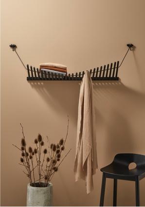 Knaegt coat rack from Woud.