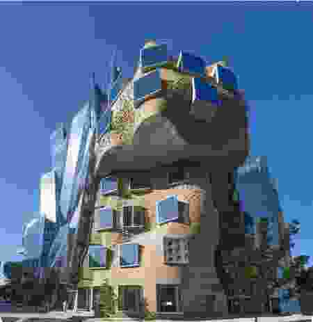 Dr Chau Chak Wing Building by Gehry Partners (Design Architect) and Daryl Jackson Robin Dyke (Executive Architects).