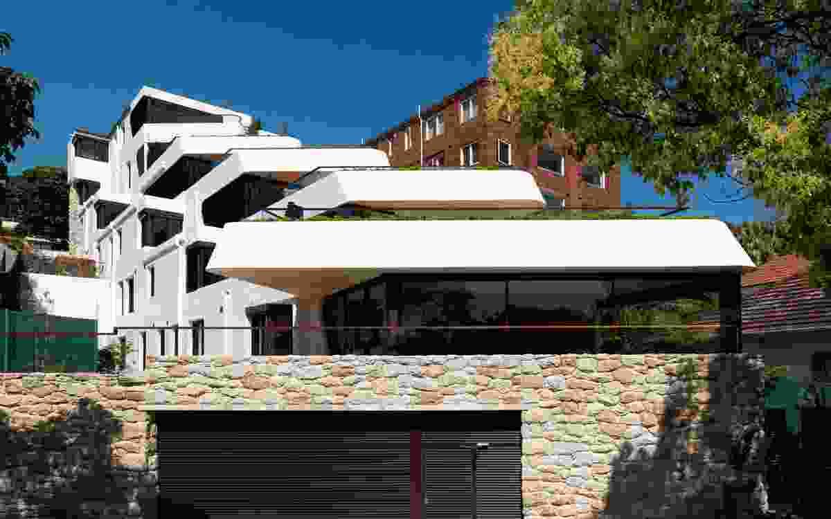 Benelong Crescent by Luigi Rosselli Architects.