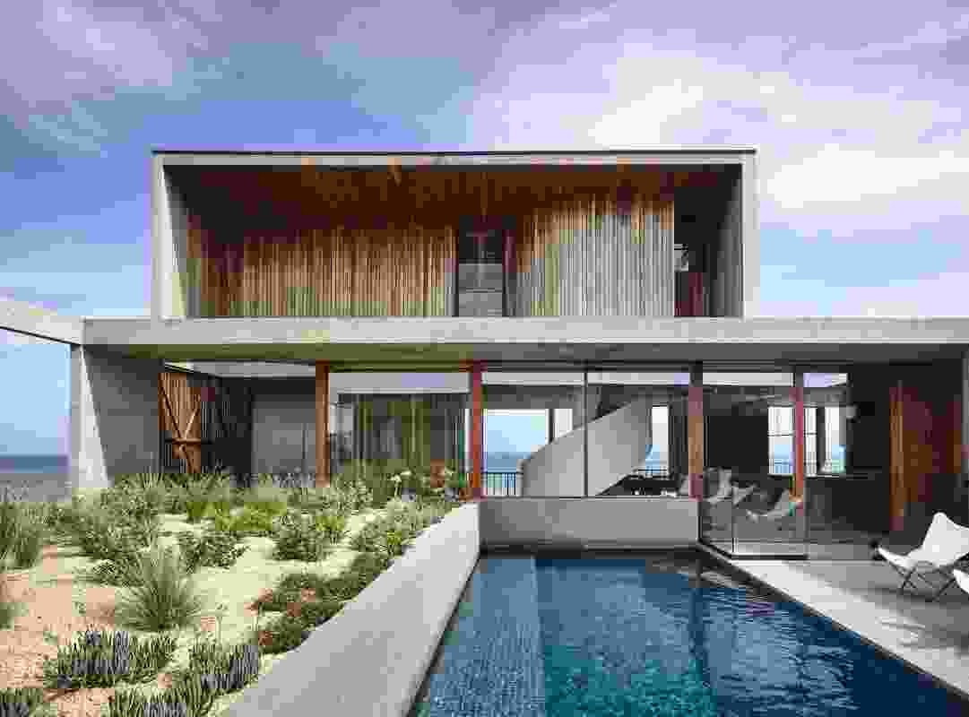 Cliff House by Auhaus Architecture.