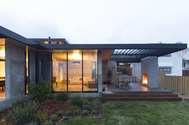 River's Edge House by Stuart Tanner Architects.