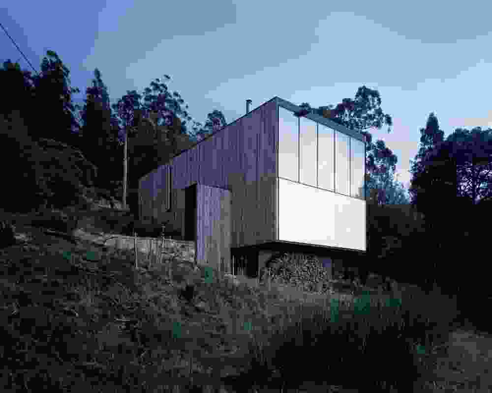 """Little Big House (2008): """"Just a box,"""" stacked across two levels that step to match the undulating terrain."""